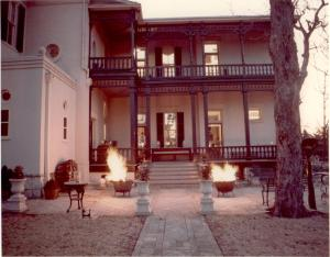 Back porch of Villa Finale during one of Mr. Mathis's events, ca. 1990